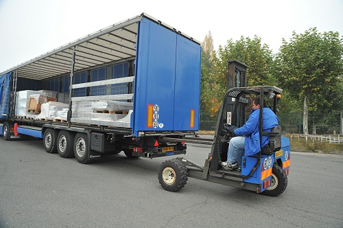 ELEVATEUR EMBARQUE CAMION TLM TRANSPORTS